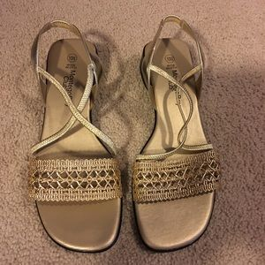 Montgomery Bay Club sandals 10W